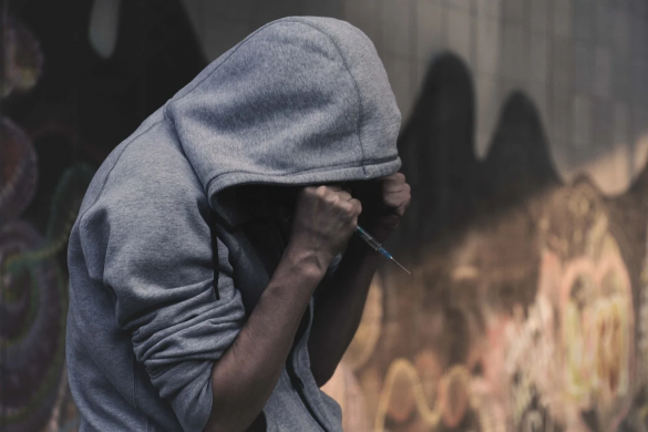 The symptoms of heroin withdrawal can be very uncomfortable and may lead to relapse.